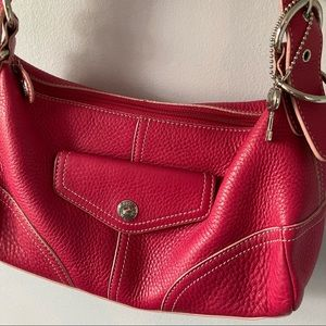 Fossil Pebbled Leather Shoulder Bag in Dark Pink